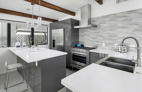 کابینت آشپزخانه سفید و طوسی